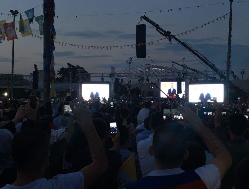 HDP supporters in Istanbul watch Dermitas's address from prison